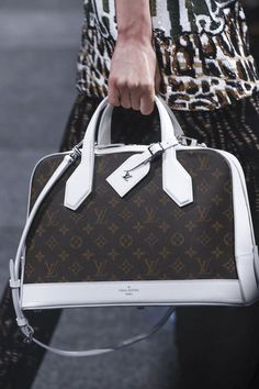 Louis Vuitton Ready To Wear Spring Summer 2015 Paris  |     LOUIS VUITTON
