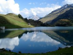 #Mitbringsel wurde in #Schweiz, #Engelberg aufgenommen und hat folgende Stichwörter: Landschaft, See, Schweiz. #Switzerland