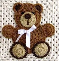61 Ideas baby blanket applique teddy bears for 2019 crochetteddybears - tiger club Knitted Teddy Bear, Crochet Teddy, Teddy Bears, Baby Bears, Crochet Applique Patterns Free, Crochet Motifs, Crochet Appliques, Free Pattern, Crochet Crafts