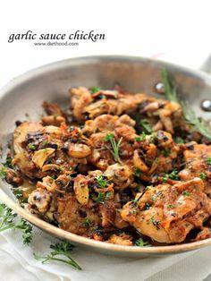Garlic Sauce Chicken - Pan-seared chicken thighs prepared with an incredible wine and garlic sauce. Garlic Sauce Chicken: the dish that sits at the top of the list of our favorite chicken recipes, for now Garlic Sauce For Chicken, Chicken Sauce Recipes, Chicken Thigh Recipes, Dijon Chicken, Crispy Chicken, Keto Chicken, Turkey Recipes, Dinner Recipes, Asian Recipes