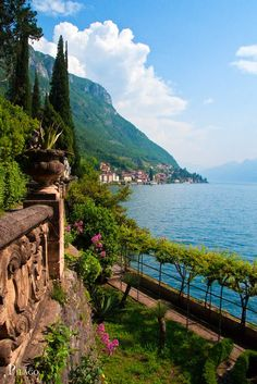 Panoramio - Photo of Villa Monastero, Varenna · Lago di Como ¦ pilago Beautiful Places In The World, Wonderful Places, Lac Como, Lonly Planet, Siena Toscana, Travel Around The World, Around The Worlds, Places To Travel, Places To Visit