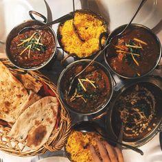 Restaurant Bar, Lokal, Palak Paneer, Vienna, Restaurants, Ethnic Recipes, Travel, Instagram, Food