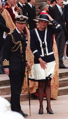 El estilo marinero para un evento como la conmemoración de la Batalla del Atlántico en 1993.