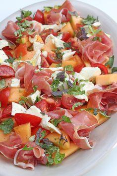 Mozarella, Salad Recipes, Healthy Recipes, Twisted Recipes, Good Food, Yummy Food, Love Eat, Food Is Fuel, Marinated Tomatoes