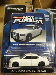 Greenlight Hot Pursuit 2010 Dodge Charger Unmarked White Police Sheriff 1 912 | eBay