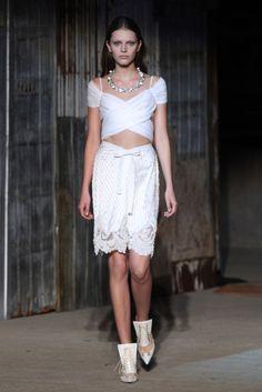 Givenchy: 11 de setembro e releituras na passarela - Vogue | Desfiles
