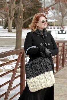 Bewitching Braids Bag Free Crochet Pattern - Nana's Crafty Home All Free Crochet, Diy Crochet, Unique Crochet, Free Knitting, Loom Knitting, Crochet Designs, Crochet Patterns, Sweater Patterns, Stitch Patterns