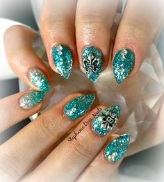 Teal almond shaped acrylic nails