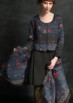 """""""Midvinter"""" shawl in wool – Fabulous rugs – GUDRUN SJÖDÉN – Webshop, mail order and boutiques 