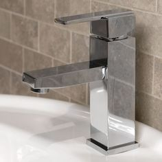 Zinnia Single Hole Bathroom Faucet