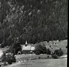 Fotoportalen UNIMUS. Lomen stavkyrkje i Valdres.