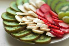 Kiwi Bananas Strawberries - #Healthy Food www.swisshealthmed.de
