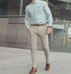 Cool 46 Stylish Formal Men Work Outfit Ideas To Change Your Style. Formal Attire For Men, Semi Formal Outfits, Formal Dresses For Men, Mens Semi Formal Wear, Mens Formal Shirts, Corporate Attire For Men, Mens Fashion Wear, Look Fashion, Outfit Hombre Formal