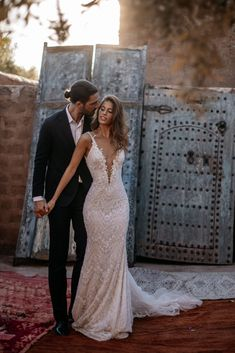 A wedding gown to inspire all your future dreams - the Galia Lahav fitted. A wedding gown to inspire all your future dreams - the Galia Lahav fitted mermaid wedding dress has a plunging v . Wedding Dress Low Back, Wedding Gowns With Sleeves, Western Wedding Dresses, Wedding Dresses 2018, Wedding Dress Trends, Bridal Dresses, Fitted Wedding Dresses, Glamorous Wedding Dresses, French Wedding Dress