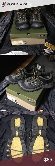 Keen men's Logan hiking  shoe size 10.5 Brand new with box - keen Logan hiking shoe A black / tawny olive - men's 10.5 contoured arch  ultra durable  and  waterproof KEEN.DRY w TPU shank. Keen Shoes Athletic Shoes