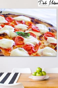 Pizza Margherita: a Museum Quality Fine Art Photography Italian Home, Fine Art Photography, Great Recipes, Food And Drink, Pizza, Decorating Ideas, Museum, Easy Recipes, Art Photography