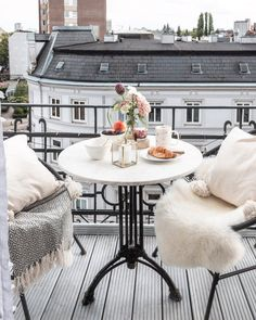 Image may contain: table, outdoor and indoor Small Balcony Design, Small Balcony Decor, Apartment Balcony Decorating, Apartment Balconies, Interior And Exterior, Interior Design, Best Decor, Dream Apartment, Patio Furniture Sets