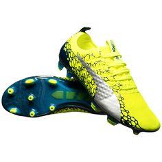 Ghete de fotbal Puma Vigor 1  #ghetefotbal #puma #pumavigor #vigor1 #vigor Cleats, Sports, Fashion, Football Boots, Hs Sports, Moda, Cleats Shoes, Fashion Styles, Soccer Shoes
