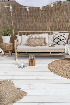 Groen in de tuin Outdoor Spaces, Outdoor Living, Outdoor Decor, Ideas Terraza, Unique Garden, Boho Dekor, Terrace Design, Interior Decorating, Interior Design