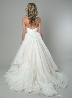 I found some amazing stuff, open it to learn more! Don't wait:https://m.dhgate.com/product/elegant-sweetheart-backless-ball-gown-2015/212327075.html