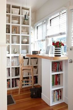 How to turn a nook into an office without even trying