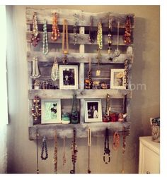 Pallet jewelry shelf
