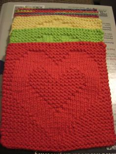 """A Knitting Mountain: Love Washcloth Pattern. I also love the """"peace"""" and """"happiness"""" washcloth patterns she has! - Crochet and Knit Knitted Washcloth Patterns, Knitted Washcloths, Dishcloth Knitting Patterns, Crochet Dishcloths, Knit Or Crochet, Loom Knitting, Knitting Stitches, Knit Patterns, Free Knitting"""