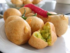 Patata waras is the perfect recipe with mustard seeds. Find these and other mustard seeds recipes on EatOut Spicy Recipes, Indian Food Recipes, Asian Recipes, Cooking Recipes, Yummy Recipes, Chana Flour, Veg Appetizers, Ramadan Recipes, Iftar