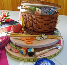 How cute is this! This Sewing Basket Cake is very realistic!