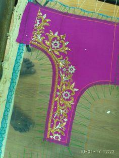 Best Blouse Designs, Wedding Saree Blouse Designs, Simple Blouse Designs, Silk Saree Blouse Designs, Saree Blouse Patterns, Designer Blouse Patterns, Zardosi Work, Work Blouse, Beaded Embroidery