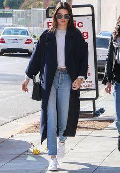 Kendall Jenner t-shirt denim pants street style
