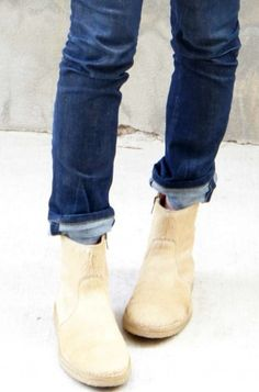 Great cuff trick with ankle boots- it's always tough to get this balance right, and I like the kind of hasty but stylish sense here. Shoe Boots, Ankle Boots, Shoe Bag, Looks Style, Style Me, Over Boots, Vogue, Autumn Winter Fashion, Me Too Shoes