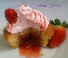 Delicia de Cup Cake de morango!! Doce Amora!