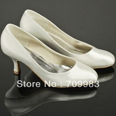 Individually Handmade Bridal Shoes Low Heels Ivory Satin Wedding Pumps Closed Toes Dropshipping $42.00