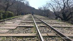 3月15日から3月18日までの京都旅行、3日目。 京都の東山で、南禅寺散策。重要文化財の三門や、琵琶湖疎水、水路閣などをまわります。 Kyoto, Railroad Tracks, About Me Blog, Train Tracks