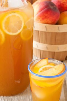 bourbon peach lemonade, via goodfoodstories.com