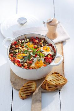 Dit vegetarische gerecht is niet alleen erg lekker maar het scheelt ook nog eens heel wat afwas.