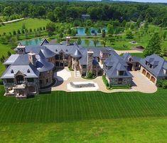 Belle homes & Estates Inserzioni - case di lusso Mega Mansions, Mansions Homes, Luxury Mansions, Dream House Exterior, Dream House Plans, Dream Mansion, Luxury Homes Dream Houses, Dream Homes, Modern Mansion
