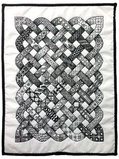 Zentangle inspired quilt size) by Neil Burley (Aaaaah! She took my quilt design haha. not the zentangle part) Celtic Quilt, Quilting Projects, Quilting Designs, Crochet Projects, Sewing Projects, Silkscreen, Black And White Quilts, Black White, Quilt Modernen