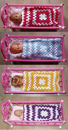 Gehaakt poppendekentje, in diverse kleuren leverbaar. Baby Born, Petra, Facebook Sign Up, Crochet Toys, Ibiza, Doll Clothes, Barbie, Dolls, Blanket