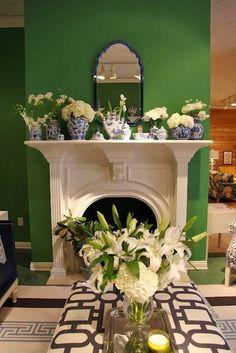 [CasaGiardino]  ♛  South Shore Decorating Blog: Gorgoeus Emerald Green Rooms and Pops of Color