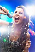 Cours De Chant Et Respiration Abdominale - Amour Et Générosité - Apprendre à chanter, et Oser ! La technique vocale... travaillez-la, intégrez-la, puis oubliez-la, et laissez vivre vos émotions pour mieux les partager... http://apprendre-a-chanter-et-oser.com/cours-de-chant-respiration-abdominale-amour-et-generosite/ Laissez-vous porter...