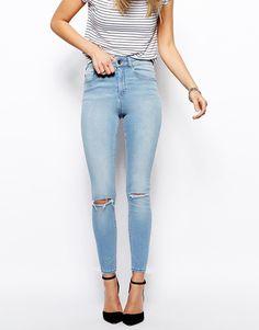 ASOS - Ridley - Knöchellange, leicht ausgewaschene Grazer-Jeans in blauer Wasserfarben-Waschung - Wasserblau
