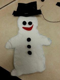 Snowman Bonhomme de neige marionette feutrine fait a la main par de eleves de 3ieme annee