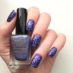 Blue floral splash nails #whatsupnailsFloralSplashStencils #whatsupnails #funlacquer #sallyhansenca #galaxy #indiglow #bluenails #nailart #NOTD