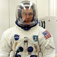 Eugene Cernan Nasa Missions, Apollo Missions, Apollo Spacecraft, Apollo Nasa, Eugene Cernan, Apollo Space Program, Astronomy Facts, American Space, Nasa Astronauts
