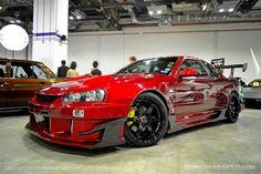 Nissan Skyline GTR R34 holy faaaaaaak.....