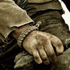 """Bracelet en paracorde dit """"de survie"""" Ca109bef68565dc4f75c9008a94fd400"""