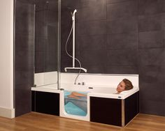 An entry bath is perfect for the small bathroom. A solution where – Laura Vogel An entry bath is perfect for the small bathroom. A solution where An entry bath is perfect for the small bathroom. Bathtub Shower Combo, Bath Shower, Bath Tubs, In Law House, Walk In Tubs, Bathroom Organization, Small Bathroom, Bathroom Ideas, House Design