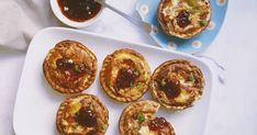 Made in a pie maker, these bite-sized mini, cheesy cobs are perfect for using up leftover bread rolls. Plus, make them vegetarian by swapping the ham for grated zucchini sliced mushrooms or chopped capsicum.